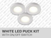 Under cabinet 3 LED Puck Lights KitEnsemble de 3 rondelles LED pour dessous d'armoires.